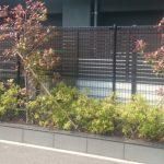 小倉南区Y様邸フェンス工事(LIXILプレスタフェンス7Y型 オータムブラウン 横スリットタイプ)工事完了写真